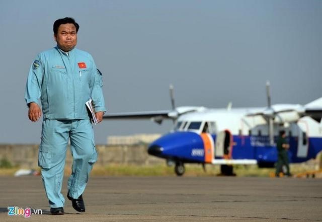 Đại tá Lê Kiêm Toàn, Lữ đoàn trưởng Lữ đoàn 918, lái chính chiếc CASA 8983 gặp nạn. Ảnh: Hoàng Hà.