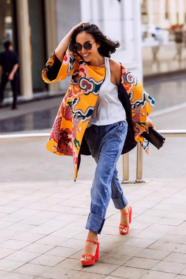 Một Đoan Trang cá tính, hiện đại nhưng vẫn rất duyên dáng và truyền thống cũng là những gợi ý về trang phục đầu năm mới cho những cô gái tự tin.