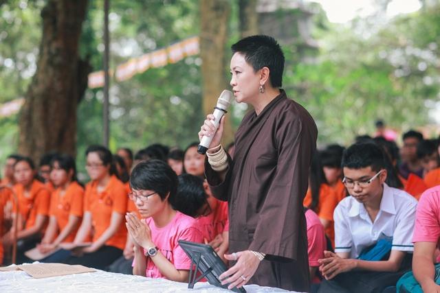 Cô Văn Thùy Dương, Hiệu phó nhà trường cho biết rất vui mừng khi ý tưởng của Ban giám hiệu nhận được sự đồng thuận cao từ các em học sinh và phụ huynh.