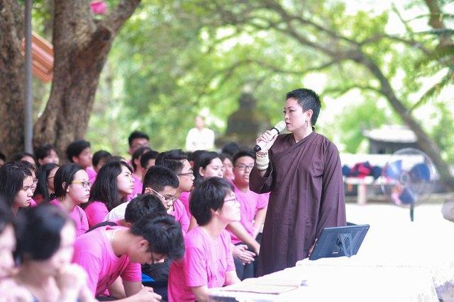 Đây là năm thứ 2 liên tiếp trường Lương Thế Vinh tổ chức cho các em học sinh cuối khóa của trường tham dự chương trình dã ngoại tâm linh này.