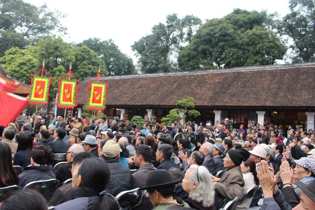 Ngày thơ Việt Nam thu hút sự quan tâm của nhiều nhà thơ và độc giả.
