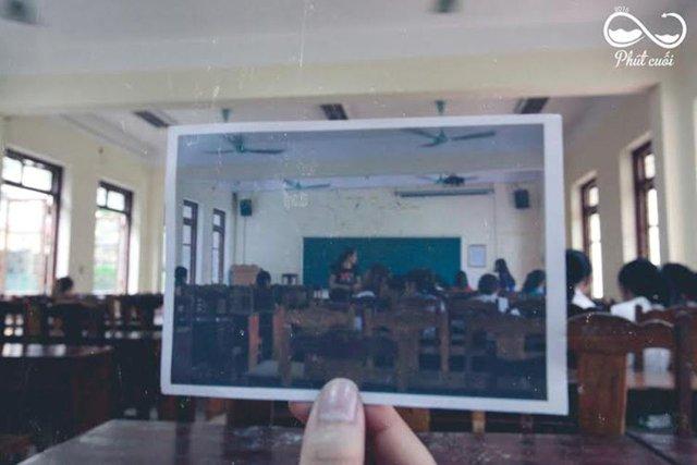 Phòng học đầy ắp tiếng cười và kỉ niệm khó quên.