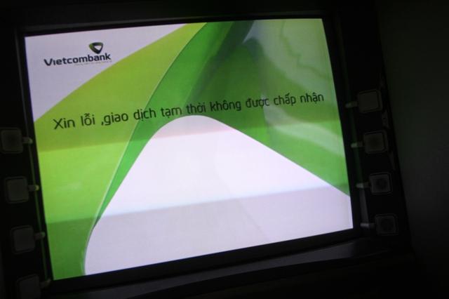 Các cột ATM trên địa bàn Đà Nẵng bị tê liệt vào chiều 21/4. Ảnh: Đức Hoàng