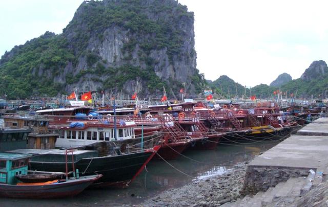 Tàu thuyền sẽ bị nghiêm cấm không được ra khơi để tránh bão. Ảnh: TL