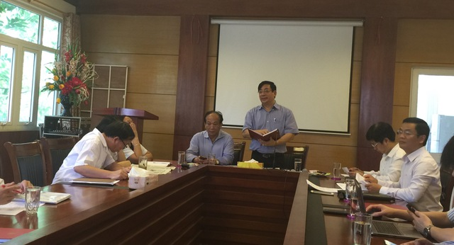 PGS.TS Lương Ngọc Khuê - Cục trưởng Cục Quản lý Khám, chữa bệnh phát biểu tại cuộc làm việc.