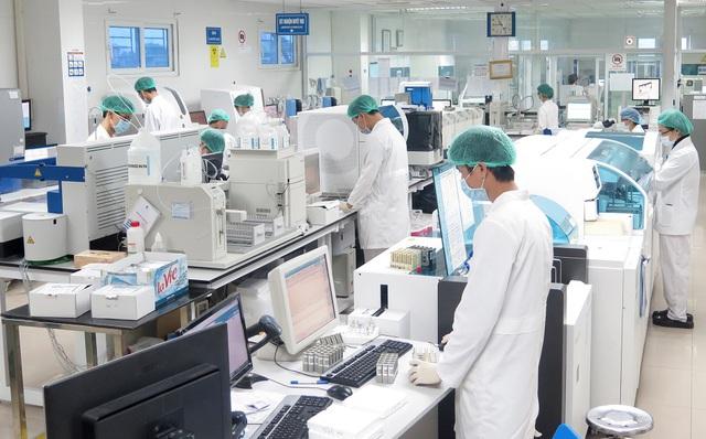 Hiện khoa Xét nghiệm, Bệnh viện Đa khoa Medlatec là một trong 16 phòng xét nghiệm tại Hà Nội đạt chứng chỉ ISO 15189:2012. Ảnh: BVCC