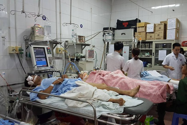 Hàng trăm người nhập viện vì tai nạn giao thông, chấn thương sọ não do không đội mũ bảo hiểm trong những ngày nghỉ lễ. Ảnh: T.Nguyên