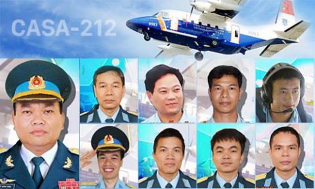9 thành viên phi hành đoàn máy bay Casa-212. Ảnh: TL