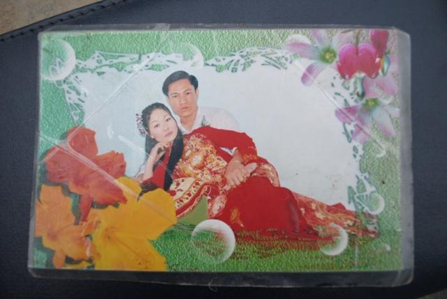 Ảnh cưới giản dị của hai vợ chồng anh Hùng