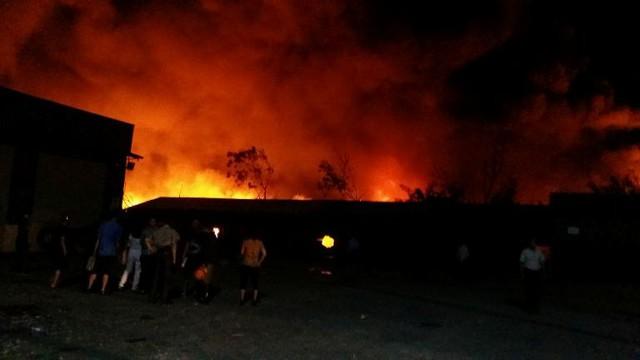 Tuy nhiên, do trong công ty chứa nến, cho nên công tác cứu hoá gặp nhiều khó khăn và ngọn lửa chưa được khống chế