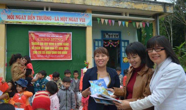 Thăm và tặng quà cho các cháu trường Mẫu giáo Quế Lộc.