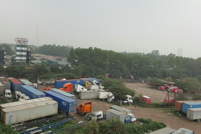 Bến xe container của doanh nghiệp Trường Hưng và bến xe tải Thành Hưng vi phạm về hoạt động bến bãi. Ảnh: T.G