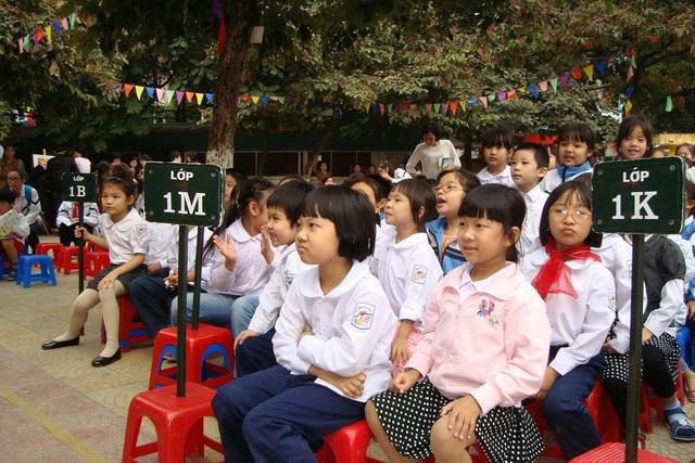 Theo nhiều chuyên gia giáo dục, cho con đi học trước lớp 1 phần lớn là theo phong trào, dễ ảnh hưởng tới tâm lý của trẻ. Ảnh: Q.Anh