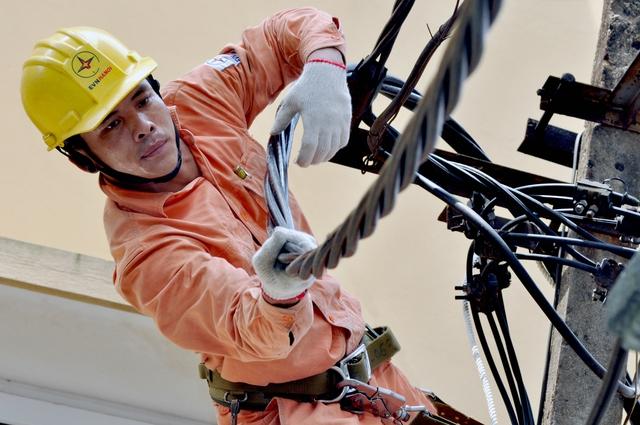 Tại Hà Nội, các trạm 110kV, đường dây đã được kiểm tra toàn diện để đảm bảo cấp điện liên tục trong dịp lễ 2/9 tới. Ảnh: HVC