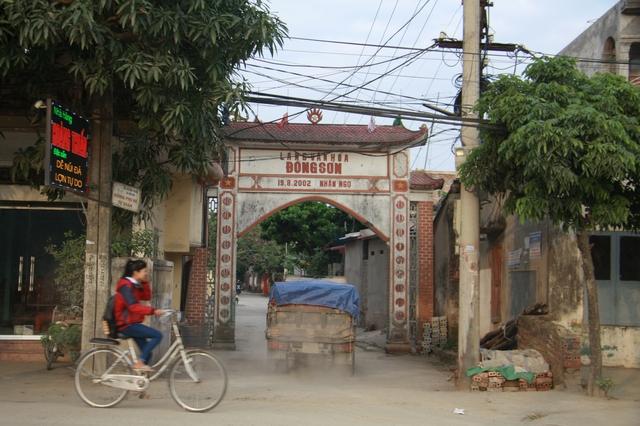 Căn bệnh ung thư trở thành nỗi ám ảnh của người dân thôn Đồng Sơn. Ảnh: X.Tùng