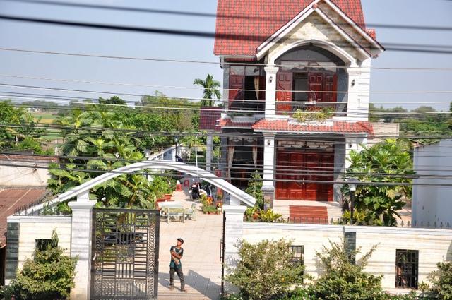 Ngôi nhà Bí thư huyện Đức Hòa, tỉnh Long An bị trộm đột nhập. ảnh: Chí Thạch