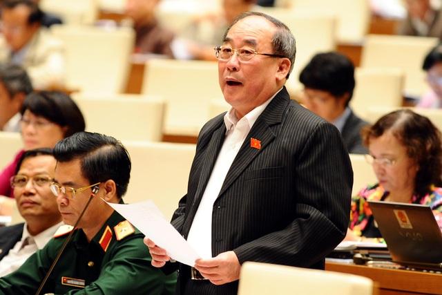 Theo đại biểu Trần Ngọc Vinh, thông tin được công khai minh bạch sẽ góp phần quan trọng trong công tác phòng chống tham nhũng, giảm oan sai. Ảnh: P.T
