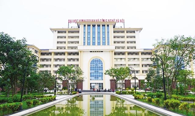 Trường ĐH Kinh doanh và Công nghệ Hà Nội, nơi nhiều sinh viên sau hơn 2 năm tốt nghiệp vẫn chưa lấy được bằng. Ảnh: X.Thắng