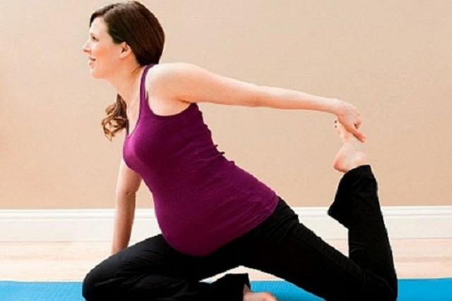 """Các chuyên gia khuyến cáo, thai phụ nên vận động thường xuyên kết hợp ăn uống hợp lý để giảm nguy cơ mắc hội chứng """"bàn chân voi"""". Ảnh minh họa"""