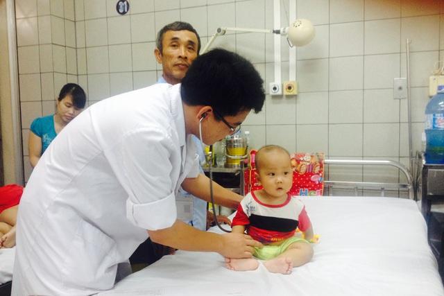 Một ca viêm màng não mủ được Khoa Nhi (Bệnh viện Bạch Mai) cứu sống, không để lại di chứng. Ảnh: T.Nguyên