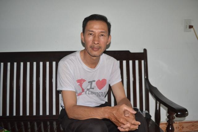Ông Nguyễn Đình Phức - Trưởng thôn 7 (xã Nguyễn Huệ). Ảnh: Đ. Tuỳ