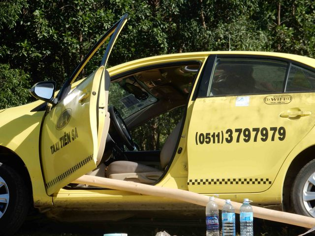 Tài xế xe taxi 4 chỗ bị các đối tượng giết trong đêm. Ảnh: Đức Hoàng