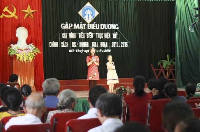 Một gia đình tiêu biểu tham gia biểu diễn và chia sẻ kinh nghiệm xây dựng gia đình hạnh phúc