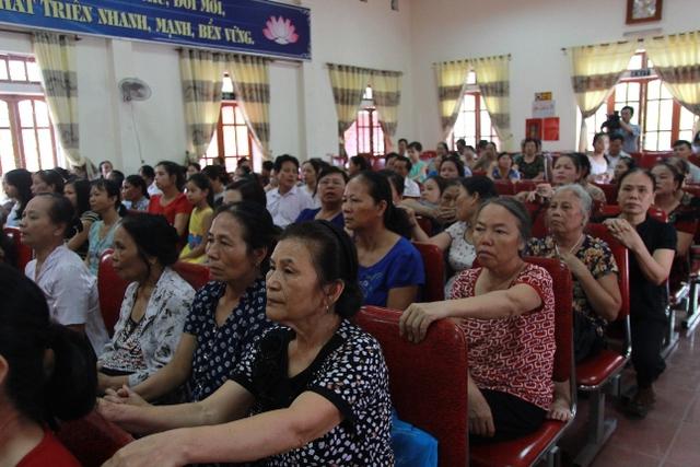 Các gia đình tham dự hội nghị