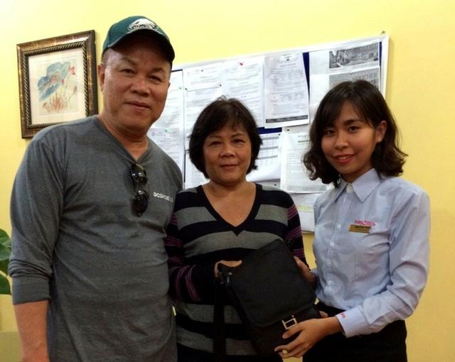 Hai du khách David Phạm và Lana Nguyễn đã được nhận lại toàn bộ tài sản bỏ quên.