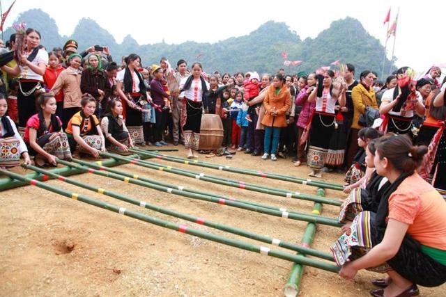 Một số trò chơi truyền thống tại lễ hội