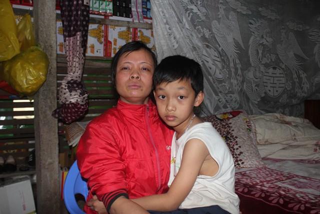 Hoàng thuộc diện học sinh khuyết tật