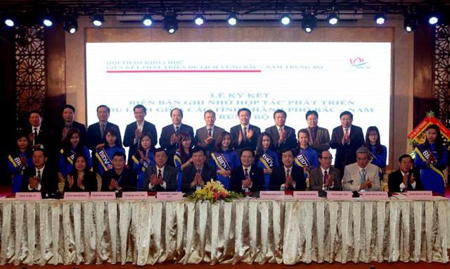 Lễ ký kết biên bản hợp tác phát triển du lịch vùng Bắc- Nam Trung Bộ