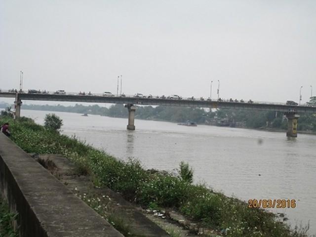 Cầu Đò Quan, nơi chị M đã nhảy cầu tự tử. (Ảnh: Bạn đọc cung cấp)