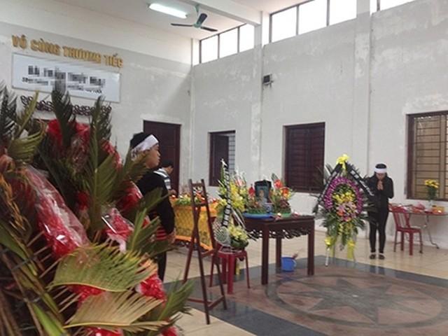 Thi thể nạn nhân M được gia đình tổ chức tang lễ vào ngày hôm qua (20/3). (Ảnh: Bạn đọc cung cấp)