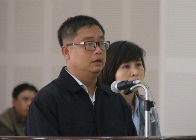 Hai vợ chồng Thảo, Cường tại phiên tòa diễn ra hai ngày 23-24/2. Ảnh: Đức Hoàng