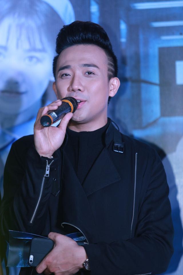 Trấn Thành tự chấm cho vai diễn của mình trong Bệnh viện ma được 7,5 điểm và Hari Won đạt 7 điểm.