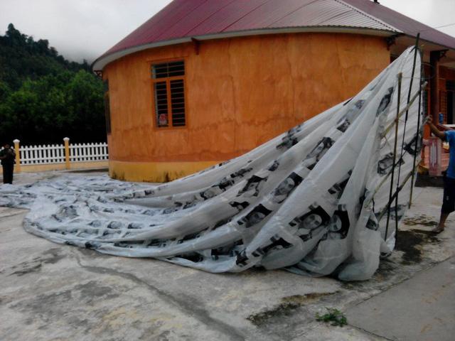 Quả cầu lạ rơi xuống ở địa bàn thôn A Xanh, xã Za Hung, huyện Đông Giang