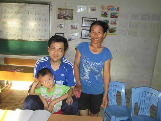 Tổ ấm hạnh phúc của anh Phùng Văn Trường va chị Ngô Thị Hường. Ảnh: Ngọc Thi
