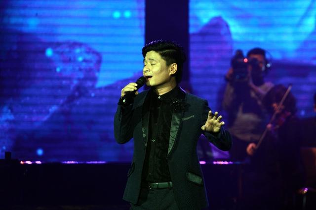Nam ca sĩ nổi tiếng với giọng hát nội lực và điêu luyện, cùng phong cách giản dị, gần gũi.