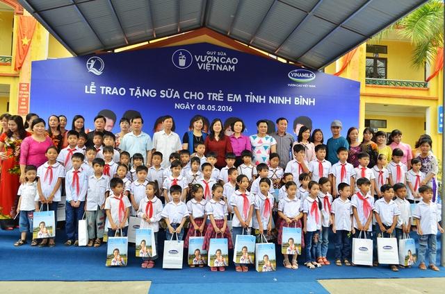 Tính đến năm 2016, tổng số lượng sữa mà Quỹ sữa Vươn cao Việt Nam đã đem đến cho hơn 373.000 trẻ em khó khăn tại VN trong gần 9 năm hoạt động là gần 30 triệu ly sữa, tương đương khoảng 120 tỉ đồng.