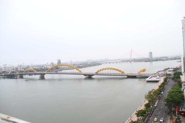 Phố biển Đà Nẵng hấp dẫn du khách quốc tế đến tham quan và du lịch. Ảnh: Đức Hoàng