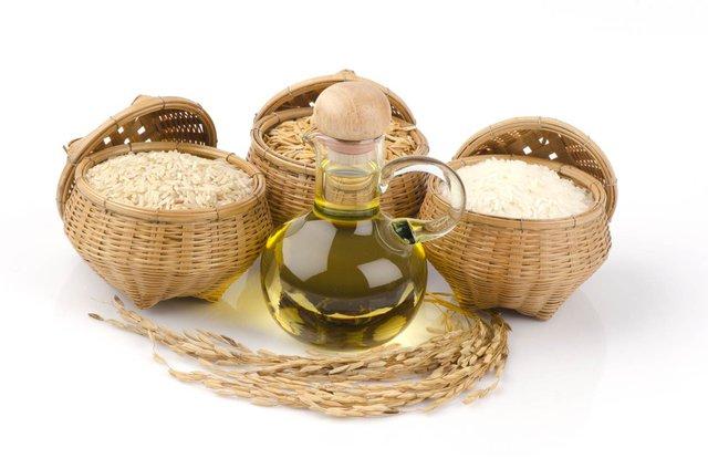 Dầu gạo giàu dưỡng chất Gamma Oryzanol, là chất chống oxy hoá tự nhiên, hiệu quả gấp 4 lần vitamin E.