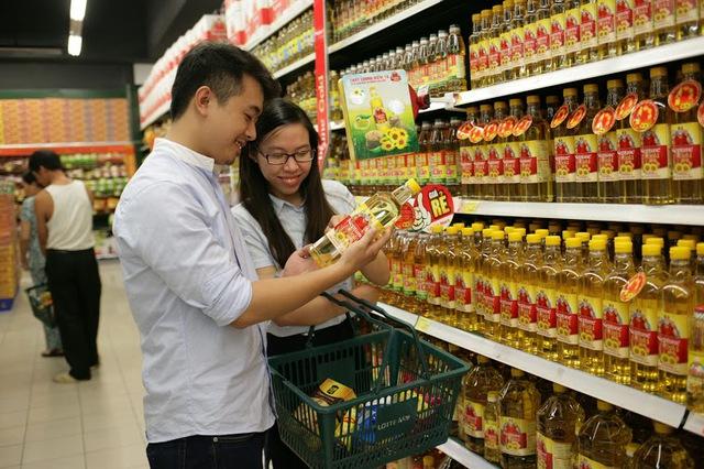 Mỗi gia đình nên dùng một sản phẩm có sự kết hợp 3 loại dầu gạo, dầu đậu nành, dầu hướng dương giúp mang lại nhiều lợi ích cho sức khoẻ cho mọi thành viên trong gia đình