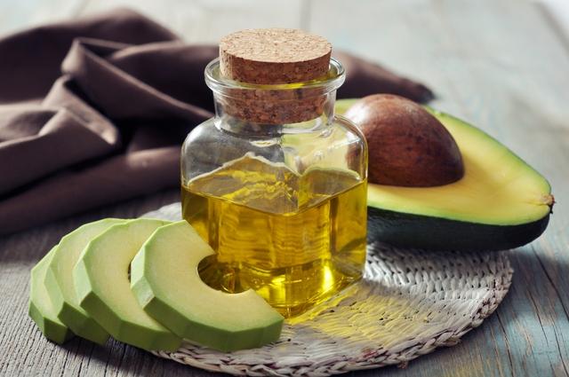 Mặt nạ bơ và dầu ôliu giúp chống lão hóa da