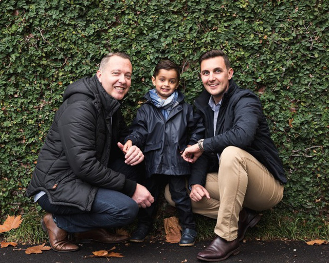 Các ông bố của Reid, anh Jarrad và Michael Duggan-Tierney, không hề cố tạo sự nổi tiếng cho con. Cũng như nhiều phụ huynh khác, họ chỉ đơn giản muốn chia sẻ cuộc sống của mình với bạn bè và người thân.