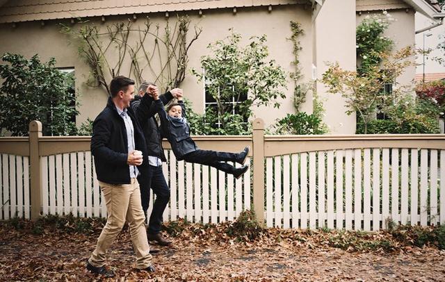 Năm nay, bé Reid bắt đầu đến trường và anh Jarrad nói rằng anh và Michael thực sự tự hào khi con trai khoe với bạn bè về hai ông bố.