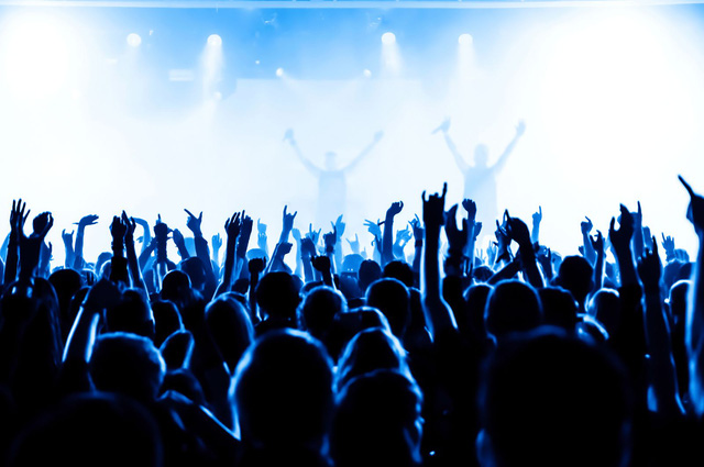Âm thanh quá lớn trong buổi hòa nhạc khiến người nghe bị giảm thính lực