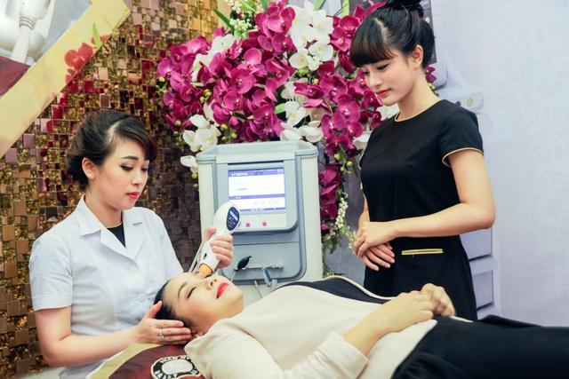 Trải nghiệm công nghệ xóa nhăn, trẻ hóa da Thermage của Diễn viên MC Ốc Thanh Vân