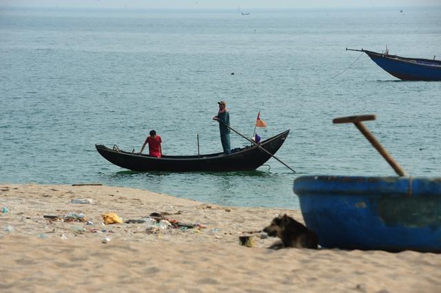Khu vực đánh bắt cá của xã Kỳ Lợi nằm không xa khu công nghiệp Formosa - nơi có đường ống xả thải đã được cơ quan chức năng cấp phép.
