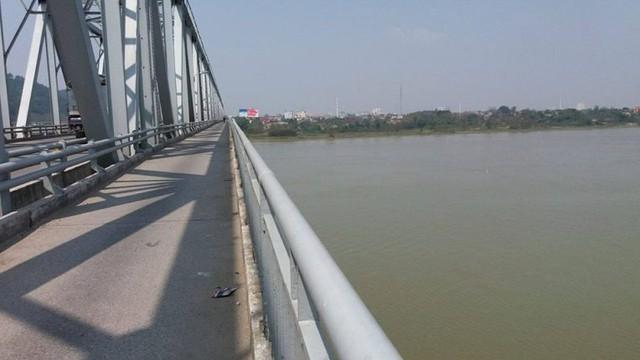 Đoạn cầu Bến Thủy nơi xảy ra vụ việc thương tâm
